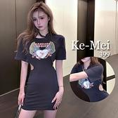 克妹Ke-Mei【ZT68302】DANDA天使刺青圖印側腰摟空造型T恤洋裝