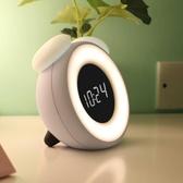 鬧鐘 LED靜音小鬧鐘創意臥室床頭電子鐘智能兒童可愛卡通充電鐘表夜燈-凡屋