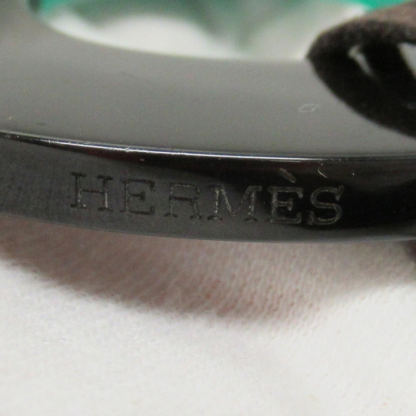 HERMES 愛馬仕 綠X棕水牛皮橢圓造型皮繩項鍊 Buffalo Horn Isthme Pendant Necklace