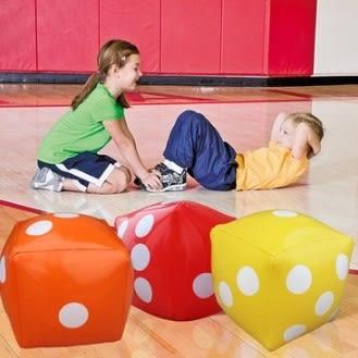 [協貿國際]  大號兒童玩具充氣骰子趣味運動會遊戲活動道具 (1入)