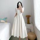 洋裝連身裙白色赫本連衣裙女泡泡袖白裙子方領收腰過膝長裙夏【風之海】