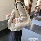 草編包 法國小眾包包洋氣女包夏新款流行編織側背包度假風時尚草編包 萊俐亞