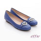 effie 俏麗悠活 真皮金屬飾綴鑽楔型低跟鞋 藍色