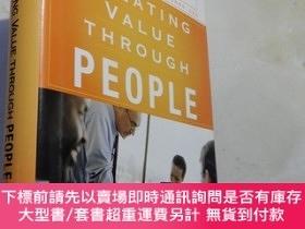 二手書博民逛書店Creating罕見Value Through People: Discussions with Talent L
