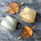 馬克杯帶蓋勺家用北歐早餐燕麥咖啡杯子陶瓷大容量【時尚大衣櫥】