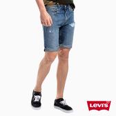 Levis 男款 牛仔短褲 / 上寬下窄 502 版型 / 刷破不收邊 / 重磅