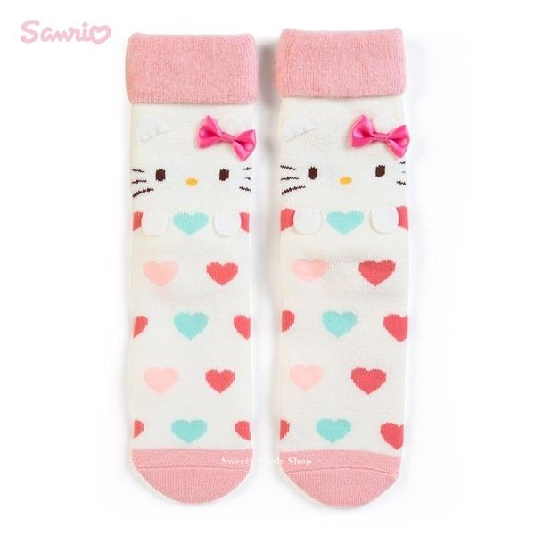 日本限定 三麗鷗 HELLO KITTY 愛心 大臉版 居家 保暖絨毛襪 / 絨毛襪盒