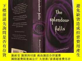 二手書博民逛書店the罕見splendour falls 壯麗瀑布Y200392