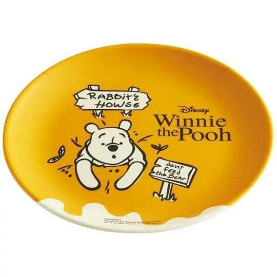 小禮堂 迪士尼 小熊維尼 美耐皿盤 圓盤 淺盤 點心盤 塑膠盤 (黃 路牌)4973307-48066
