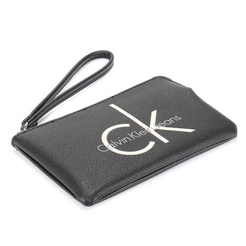 CalvinKlein CK字母軟皮革小手拿包(黑色)103555