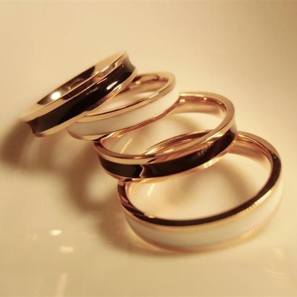 時尚玫瑰金窄版鈦鋼黑白陶指戒指 男女日韓情侶指環指戒指戒食指【萬聖夜來臨】