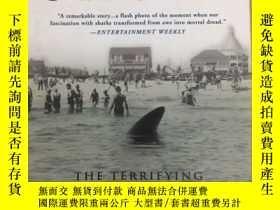 二手書博民逛書店Close罕見to Shore: The Terrifying