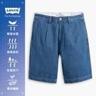 Levis 男款 打摺膝上牛仔短褲 / 精工中藍染水洗 / 寒麻纖維