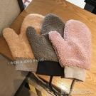 手套冬天女軟妹可愛純色羊羔絨毛絨連指掛脖加絨保暖 【快速出貨】