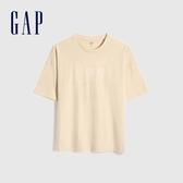 Gap男裝 Logo創意膠貼圓領短袖T恤 655203-米黃色