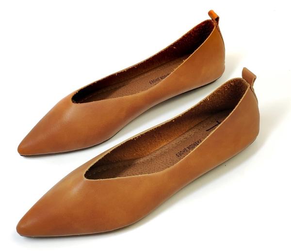大尺碼女鞋小尺碼女鞋尖頭真皮素面V口巫婆鞋平底鞋娃娃鞋包鞋黑色棕色白色(30-434445)#七日旅行
