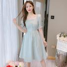 出清388 韓國風名媛方領收腰泡泡袖格紋短袖洋裝