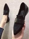 護士小皮鞋中跟單鞋瓢鞋女低跟2021年春秋季新款媽媽豆豆鞋女粗跟 喵小姐