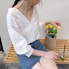 (全館一件免運)DE SHOP~(HL-426)氣質燈籠袖白色花邊大V領短袖襯衫