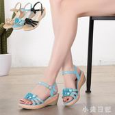 媽媽涼鞋女優雅時尚新款中跟松糕軟底舒適坡跟厚底中老年平底鞋子 qf4470【小美日記】