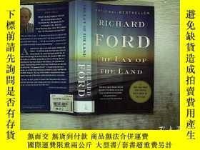 二手書博民逛書店THE罕見LAY OF THE LAND(地勢)A01Y1808