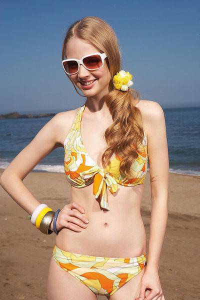 【出清專區 】APPLE蘋果牌泳裝↘成本出清~玫瑰花色塊有鋼圈型比基尼二件式泳衣 附泳帽 NO.13405