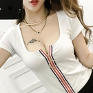 2021低胸漏胸新款彩色拉鍊短款短袖t恤顯胸修身大U領少女性感上衣快速出貨
