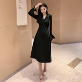 中尺碼洋裝2020年新款秋冬裝大碼女人味V領長袖赫本黑色連身裙收腰顯瘦氣質 交換禮物