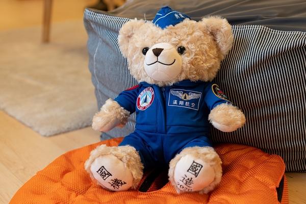 勇鷹號首飛紀念飛行熊-勇鷹熊