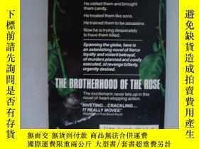 二手書博民逛書店The罕見Brother-Hood of the RoseY85