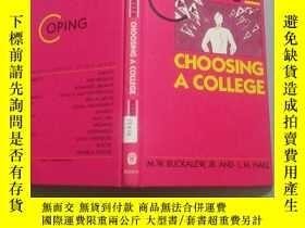 二手書博民逛書店COPING罕見WITH CHOOSING A COLLEGE(