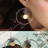 耳環 Space Picnic|毛球垂墜圓環設計耳環(現+預)【C18101010】