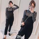 孕婦裝 MIMI別走【P31329】韓系潮媽 寬版兩件式 吊帶褲+黑白針織上衣 套裝