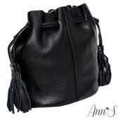 Ann'S有點帥氣時-真牛皮mini流蘇水桶包-黑