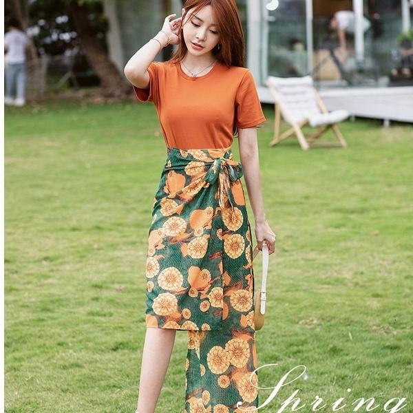 熱情花朵不規則裙襬兩件套(橘色棉T+花朵繫裙)約會洋裝[99189-QF]美之札