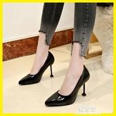 夏季新款韓版尖頭鞋性感細跟夜店高跟鞋淺口漆皮單鞋貓跟鞋女(快速出貨)