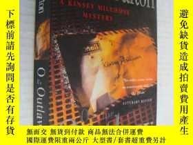 二手書博民逛書店O罕見is for Outlaw(英文原版)Y146810 Su