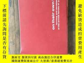 二手書博民逛書店on罕見their own land forming and development of the armed f
