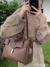 高級感網紅小眾設計公文包包2020新款潮斜背包女百搭ins時尚洋氣 黛尼時尚精品