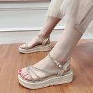 坡跟涼鞋 厚底增高坡跟網紅水鑚涼鞋女夏新款時尚防滑軟底沙灘鞋學生鞋