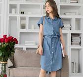 《DA5486-》高含棉排釦修身腰圍綁帶長版洋裝 OB嚴選