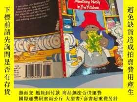 二手書博民逛書店Something罕見nasty in the kitchen 有一些臟東西在廚房Y200392