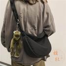 包包女工裝風斜背百搭運動單肩側背包帆布包【橘社小鎮】
