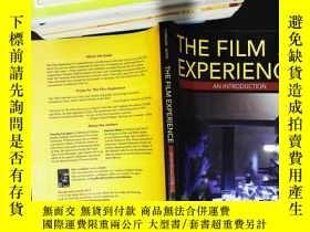 二手書博民逛書店The罕見Film Experience: An Introdu