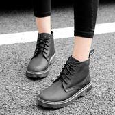 短靴女 馬丁靴子 秋冬新款復古英倫風系帶子女中粗跟百搭女鞋平底靴《小師妹》sm2701