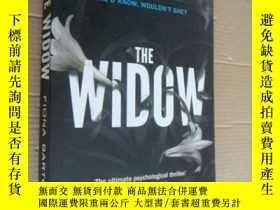 二手書博民逛書店The罕見Widow 英文原版2016年 16開Y85718 F