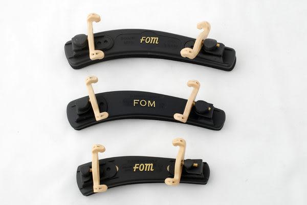 【小叮噹的店】全新 FOM ME- FOM塑鋼 小提琴肩托 / 小提琴肩墊.1/16~4/4適用