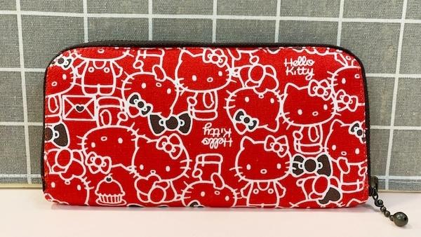 【震撼精品百貨】Hello Kitty 凱蒂貓~三麗鷗KITTY日本布面長夾/手拿包-紅滿版#23083