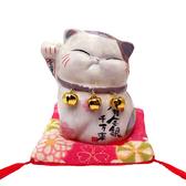 【金石工坊】蘇菲亞波士桃花貓(高7.5CM)求貴人 陶瓷開運桌上擺飾 招財貓 撲滿存錢筒