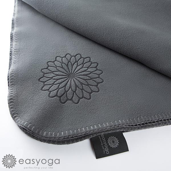 easyoga 瑜珈毛毯 保暖雙色瑜伽毛毯 - 黑/鐵灰